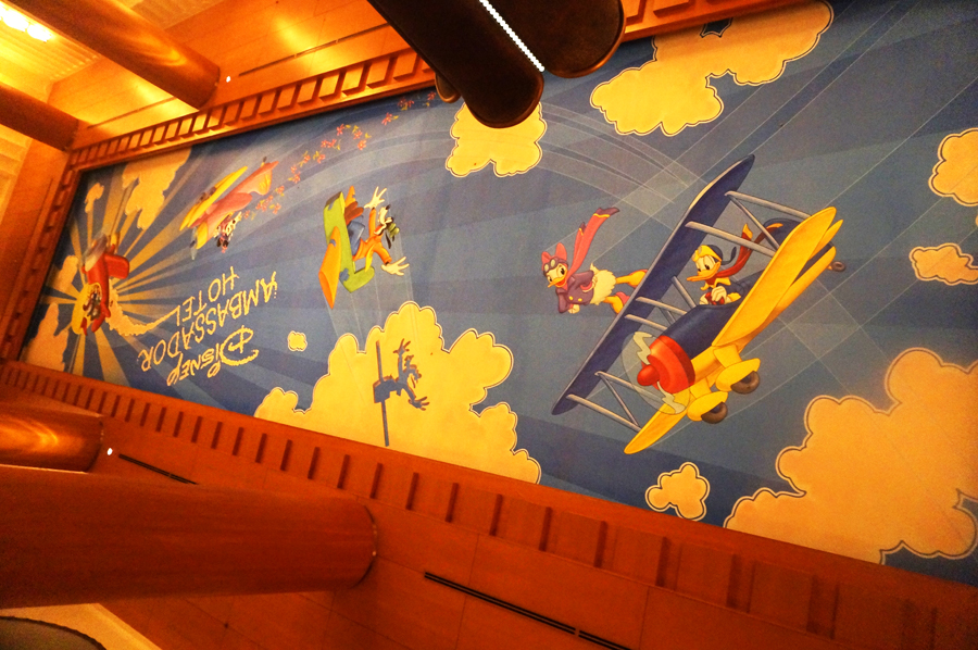 ディズニーアンバサダーホテルのロビー天井