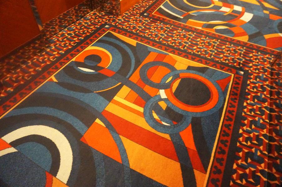 ディズニーアンバサダーホテルの廊下隠れミッキー