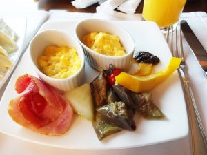 神戸ポートピアホテルオーバルクラブの朝食バイキング