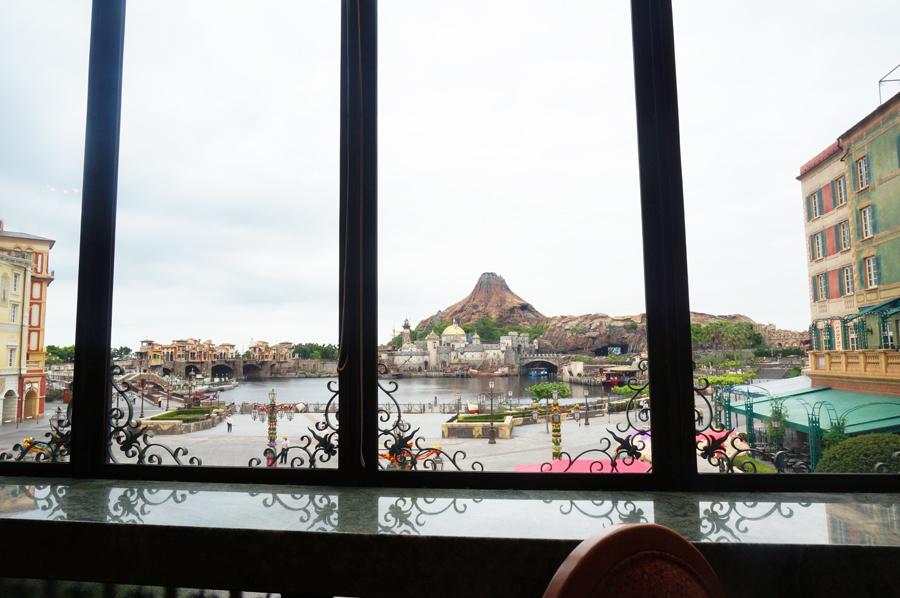 ベッラヴィスタラウンジの窓側の景色