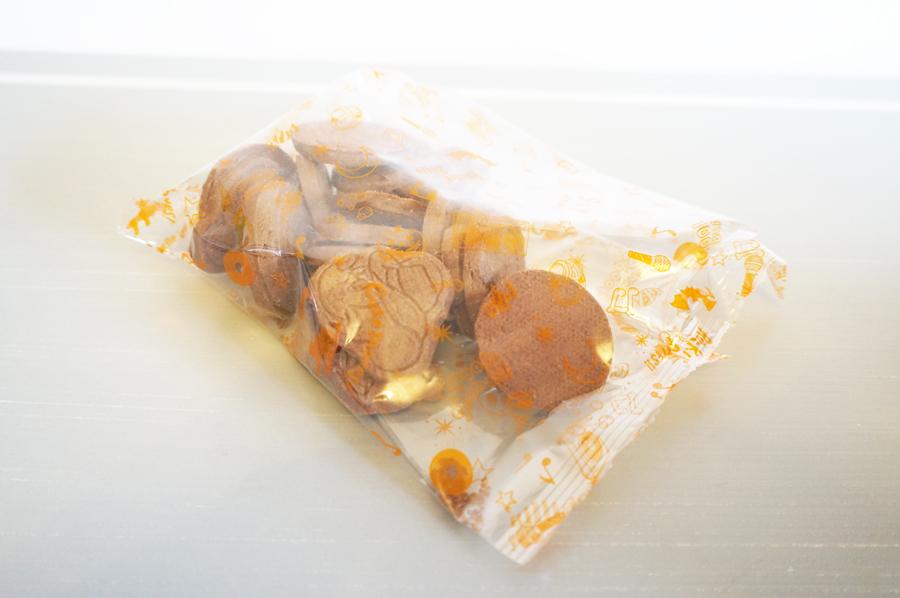 ディズニーランド2017ハロウィンのお土産!レーコード付きココアクッキー