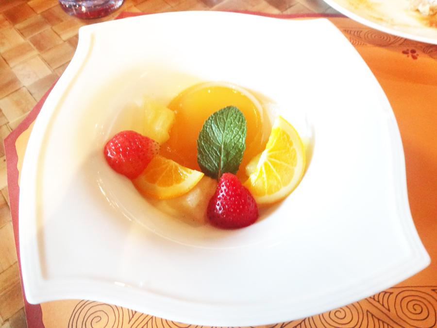 リロのルアウ&ファン料理