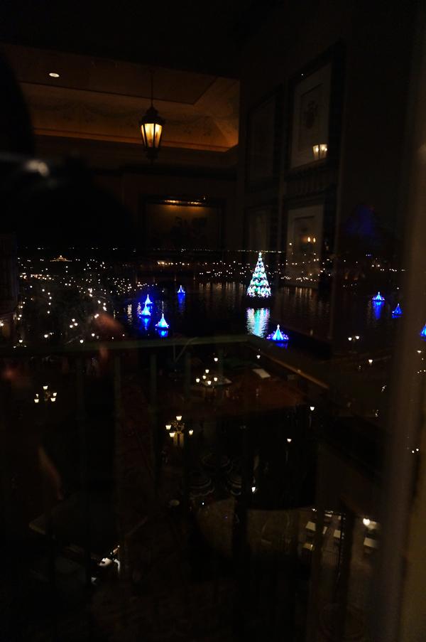 サローネ・デッラミーコからみるカラーオブクリスマス