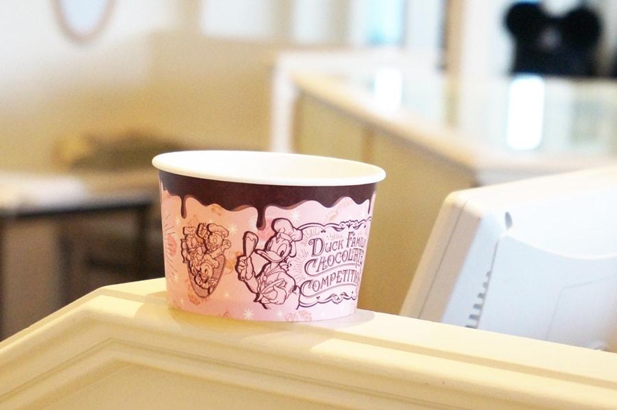アイスクリームコーンの35周年チョコレートクランチコラボメニュー、ソフトクリーム&チョコナッツバニラアイス