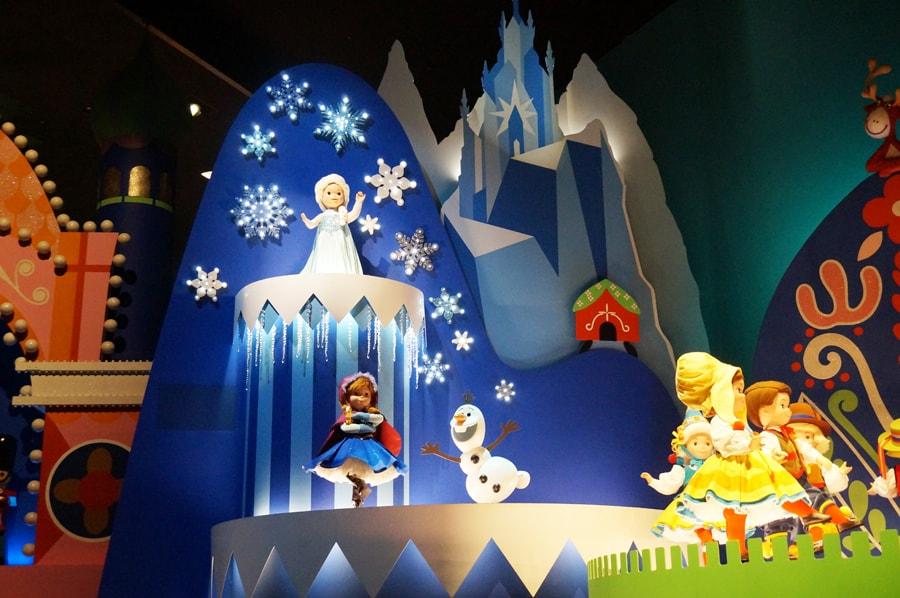 イッツアスモールワールドの穴と雪の女王