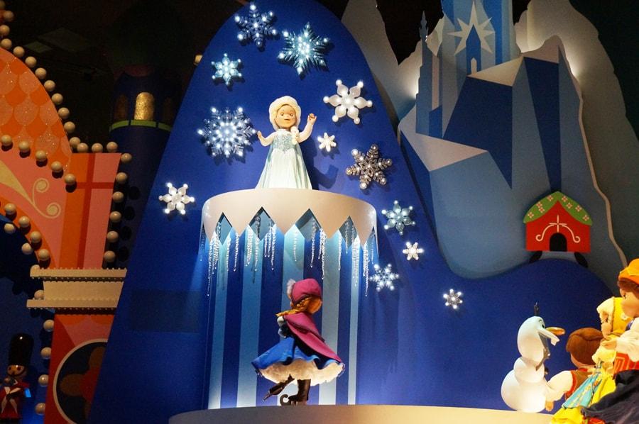 イッツアスモールワールドのアナと雪の女王