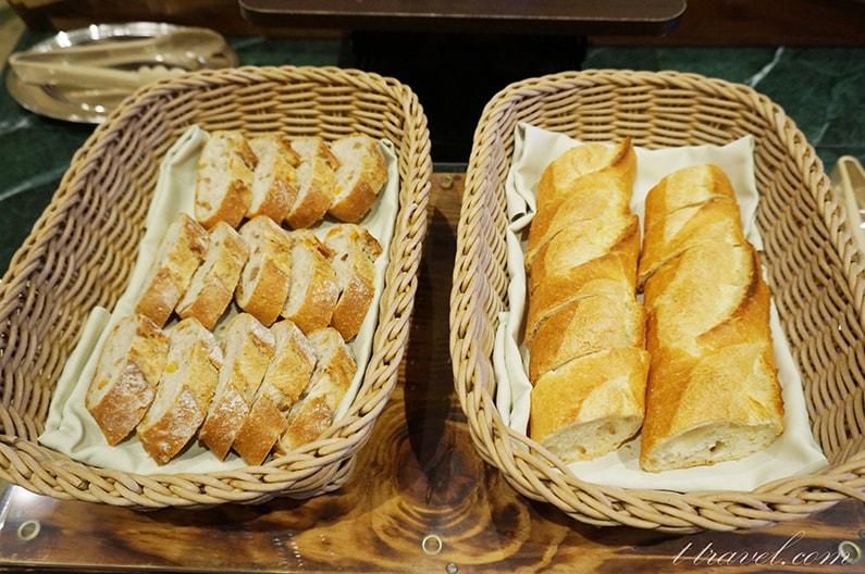シャーウッドガーデンレストラングランドフィナーレのパンメニュー
