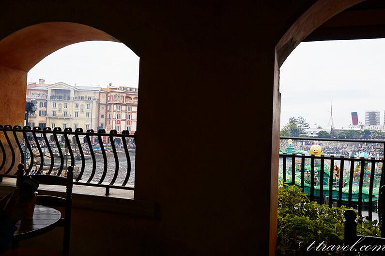 ザンビーニのメニューと営業時間。テラス席は眺めが最高です。
