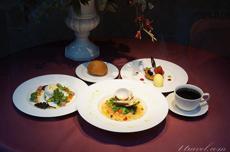 イーストサイドカフェのイースタースペシャルセットのメニューを紹介