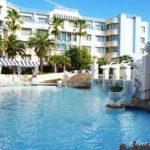 パームガーデンプールを紹介。アンバサダーホテルの無料プール。
